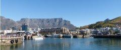 Kapstadt - Victoria und Alfred Waterfront und Tafelberg im Hintergrund